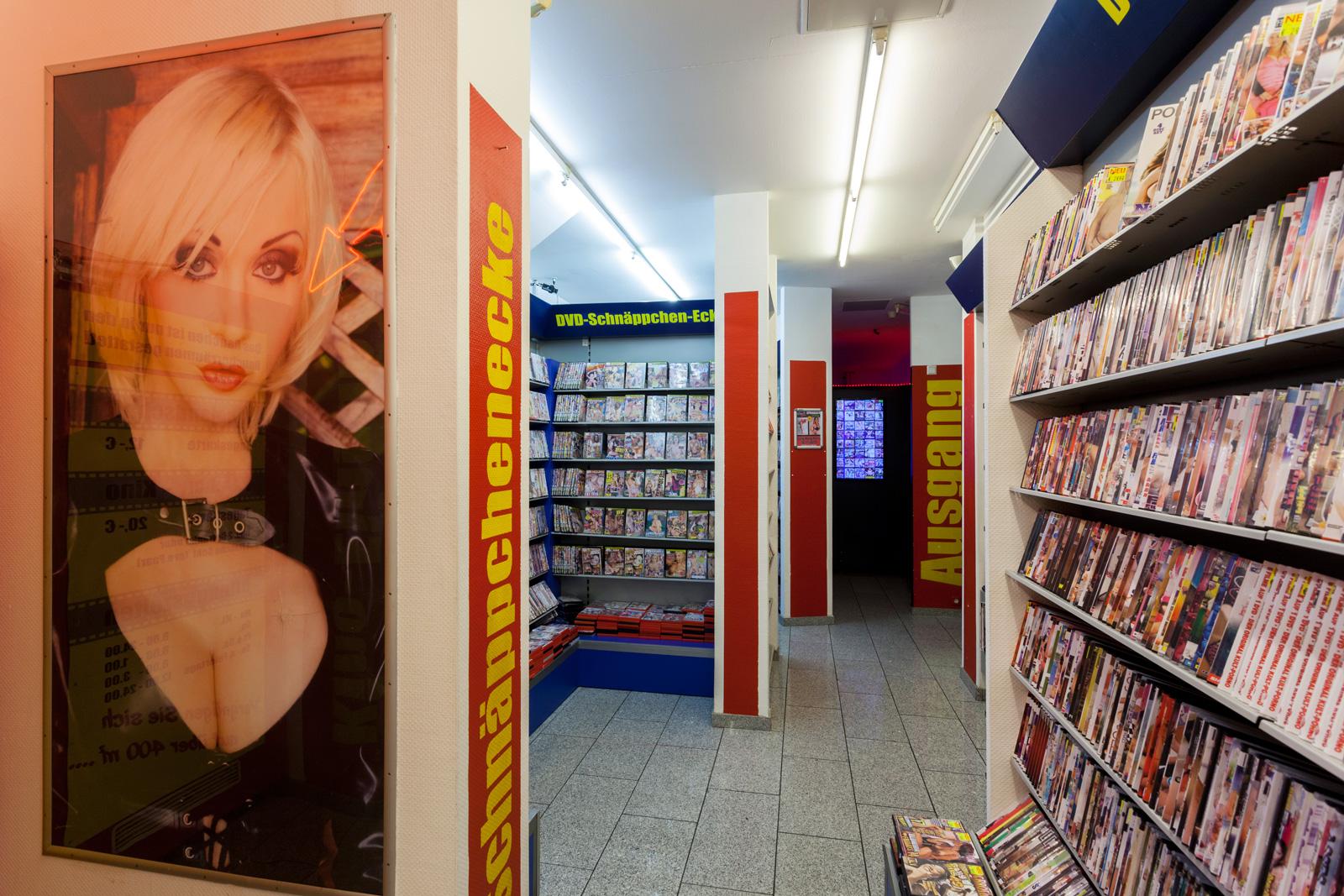 gangbang frankfurt porno im kino